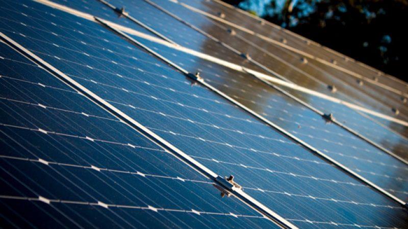 Les panneaux solairs, une bonne alternative pour se chauffer aux énergies renouvelables aux Sables d'Olonne avec CEE SAS